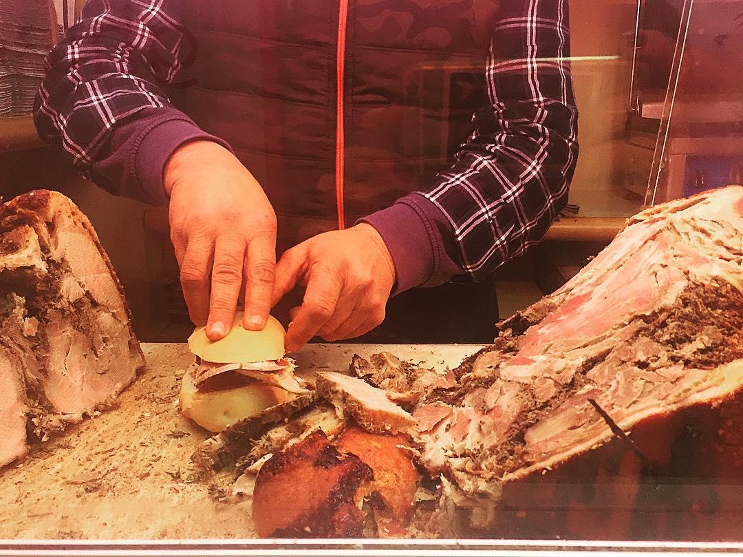 Il rito del panino grasso magro fegatelli e crosta Porchettiamohellip